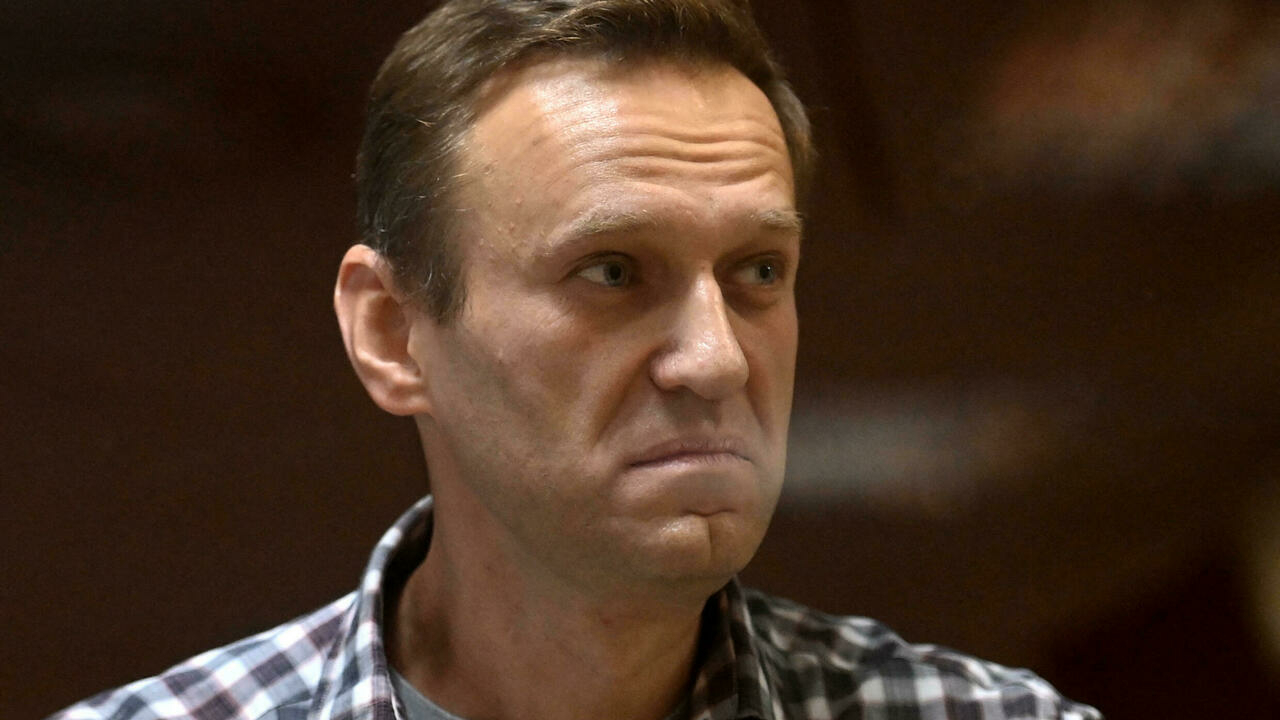 Kremlin critic Navalny's allies blast Apple and Google for removal of opposition voting app