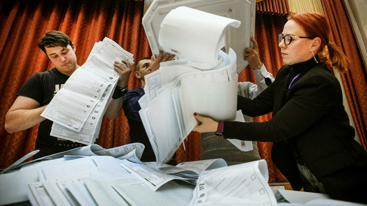 Russian opposition slams 'fake elections' after Putin party sweeps vote